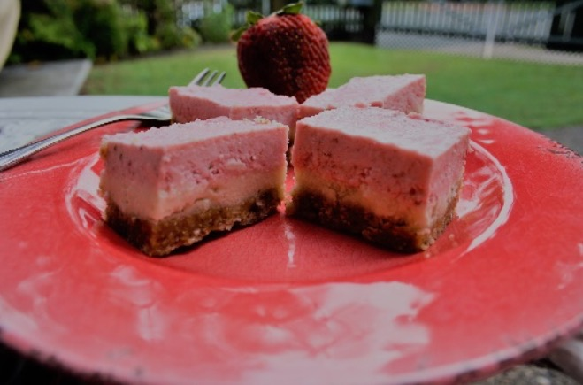 Recipe of the week: Raw Lime and Strawberry Cheesecake